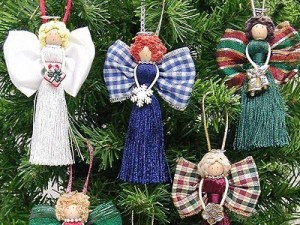 новогодние игрушки своими руками, Поздравляем С Новым Годом и Рождеством, Готовимся к Новому Году, украшаем дом на новый год, украшаем дом на новый год, как нарядить елку, как украсить новогоднюю елку, новогодняя елка фото, необычные елки, как красиво украсить елку, как украсить елку, необычная елка своими руками