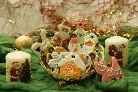 Новогоднее украшение дома своими руками с фото
